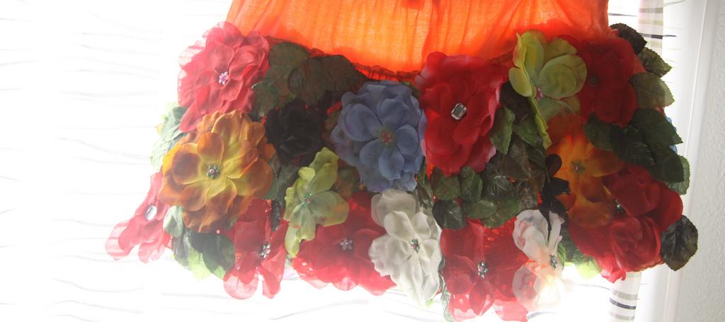 юбочка с декором из цветов