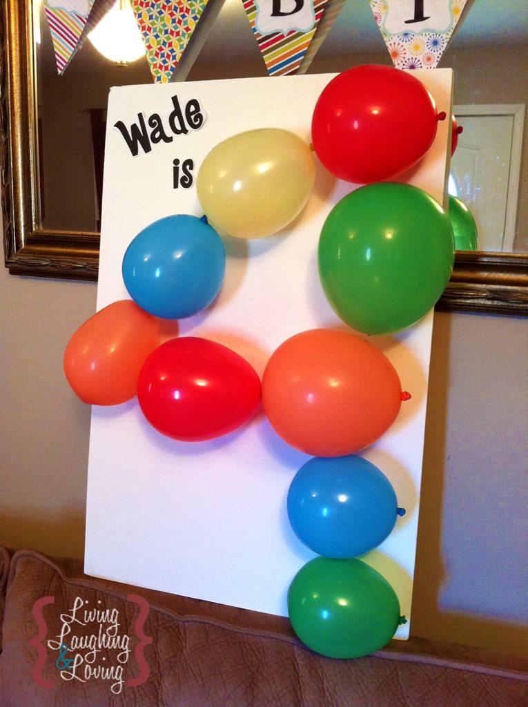 декоративная цифра из воздушных шариков