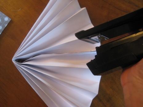 Гофрированные круги из бумаги