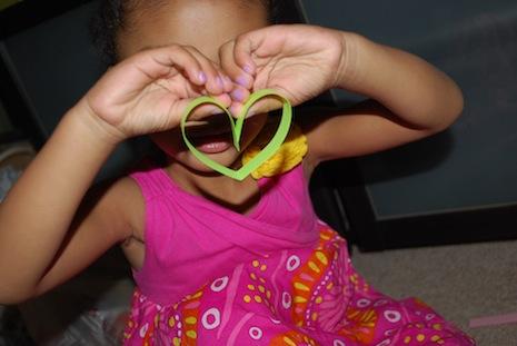 гирлянда сердце из бумажных полосочек