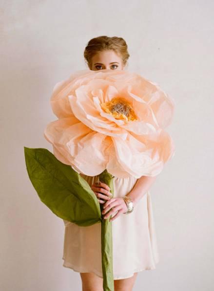 Гигантские цветы для декораций
