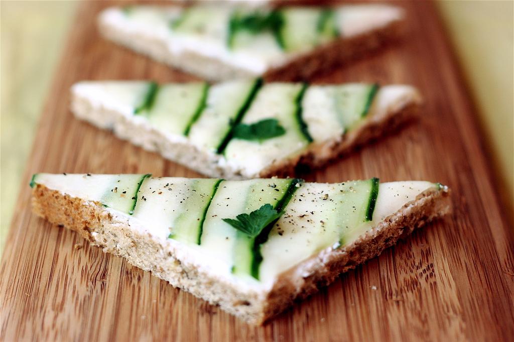 бутерброды с огурцом рецепт