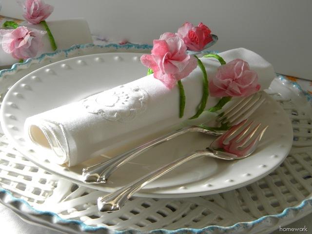 кольца для салфеток в виде стебельков с цветами