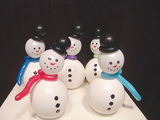 как сделать снеговика из воздушных шариков