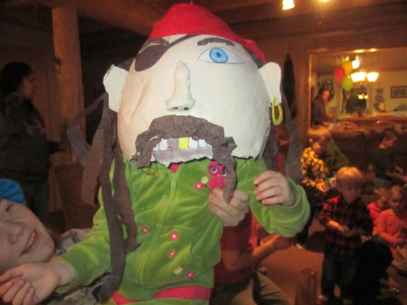 пиньята пират для пиратского дня рождения