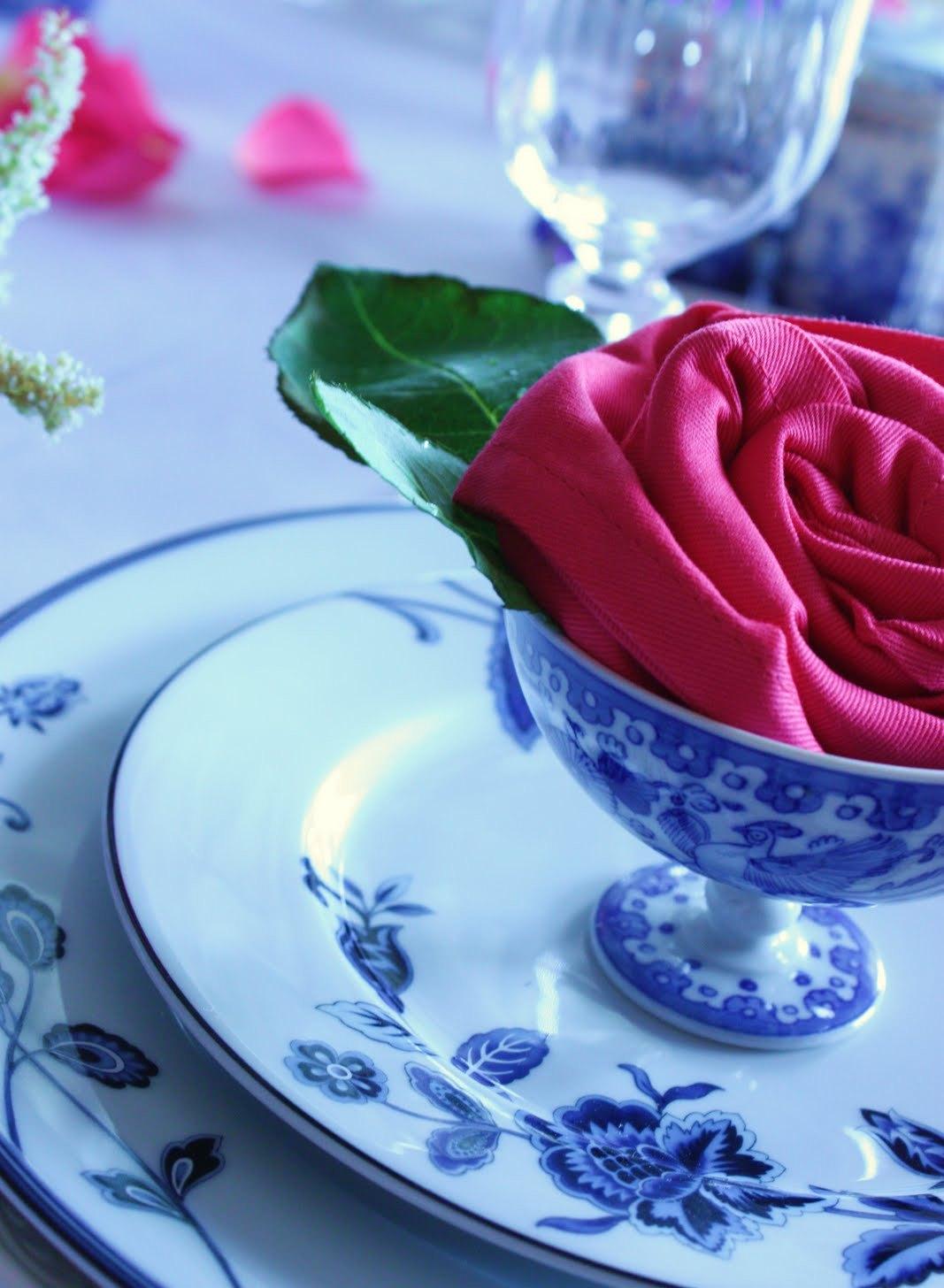как сложить розу из салфеток