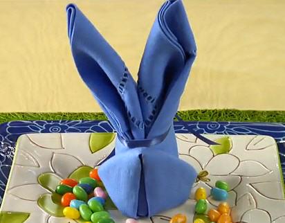 Как сложить кролика из салфетки (ВИДЕО)