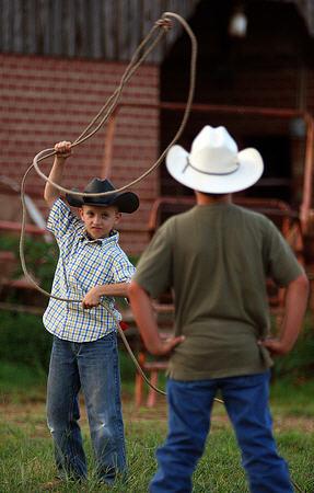 Как сделать ковбойское лассо (ВИДЕО)