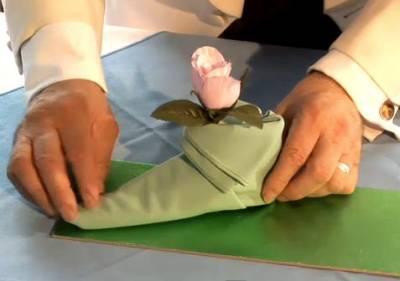 Как сложить туфельку эльфа из салфетки (ВИДЕО)