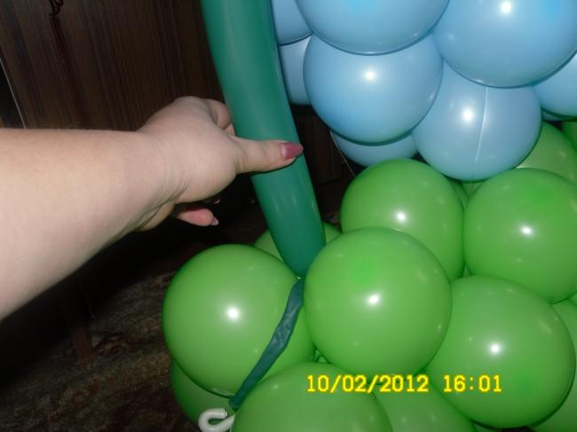 объемная цифра 2 из воздушных шариков мастер класс