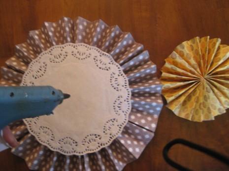 Объемные зонтики из бумаги