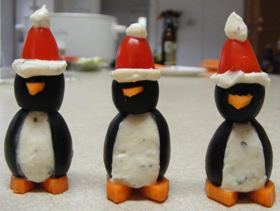 Закуска Пингвины из оливок и яиц