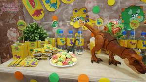 3 годика - день рождения в стиле Динозавры фотографии кэнди бара