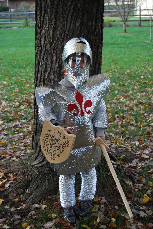 Доспехи рыцаря из картона своими руками