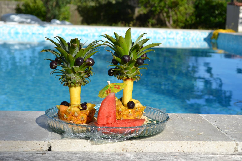 закуска из ананаса