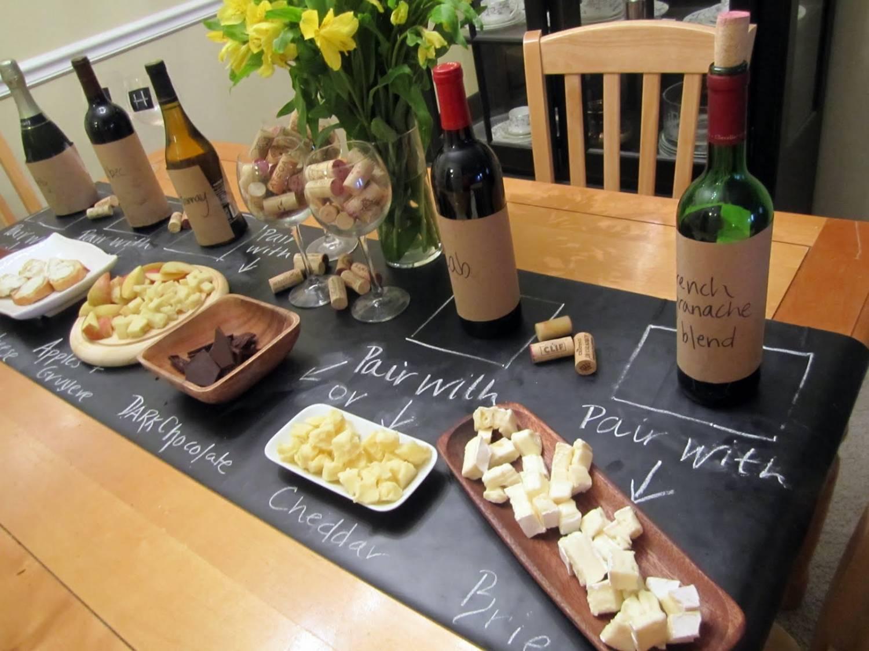 бегунок или дорожка для стола - идея для сырной вечеринки