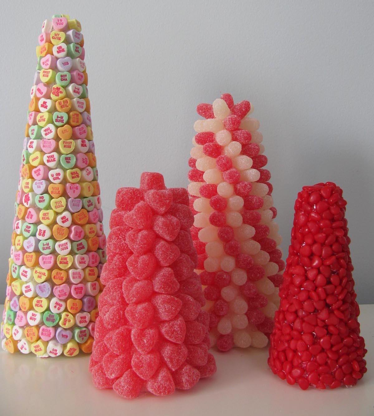 сладкие конусы из конфет