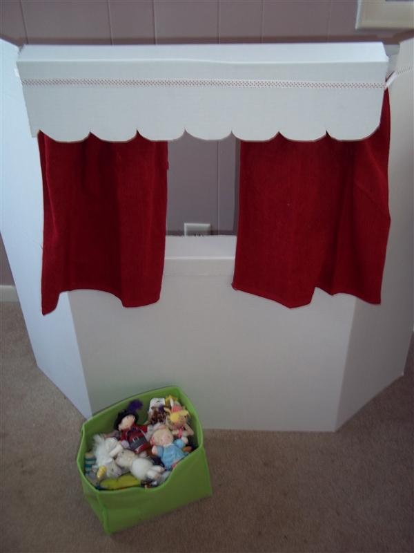 Настольная ширма для кукольного театра своими руками