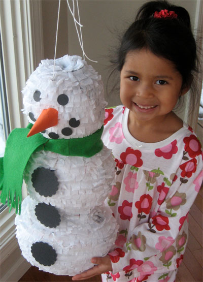 Пиньята «Снеговик» - новогоднее украшение