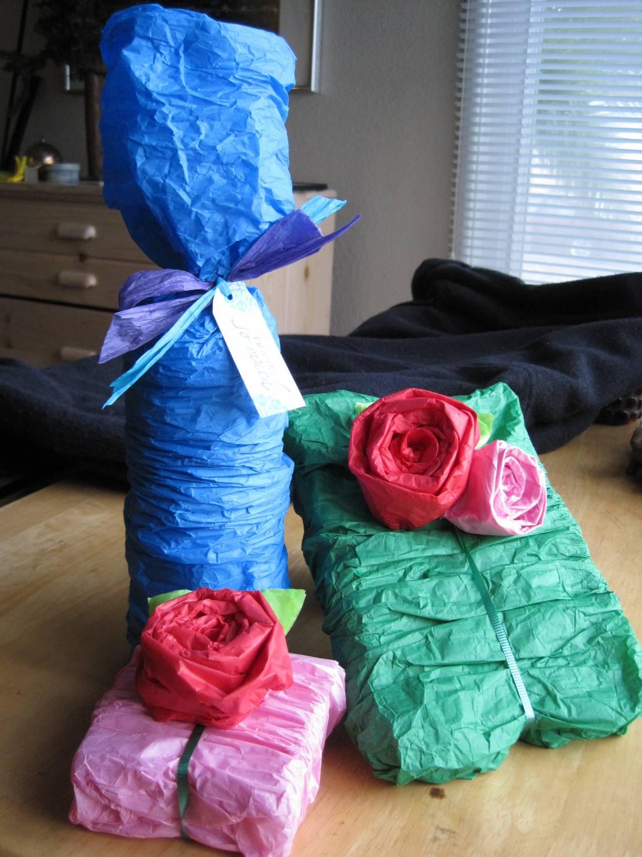 Упаковка для подарка из гофрированной бумаги