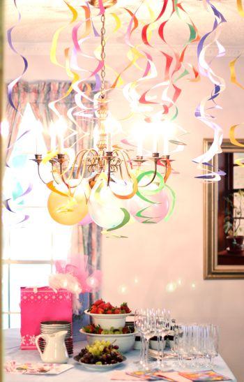 Украшение на день рождения - бумажные спирали