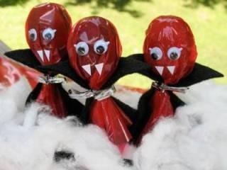 Чупа-чупсы «Вампирчики» для Хэллоина