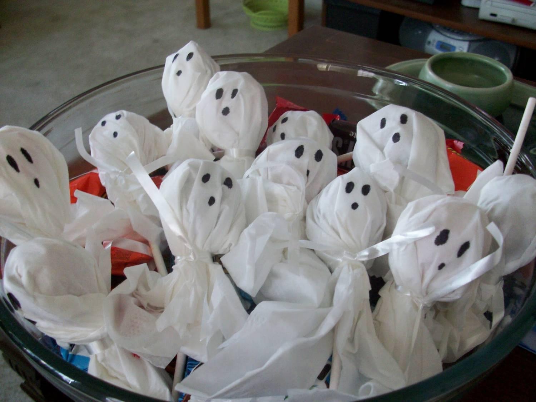 чупа-чупсы привидения для Хеллоуина