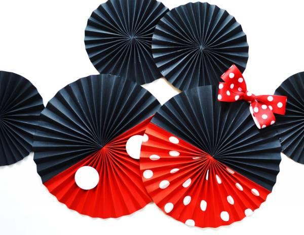 Декор из зонтиков-вертушек «Голова Минни или Микки Маус»